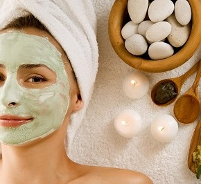 bigstock Spa Facial Mask Dayspa 12574046 290x266 Маски для лица от прыщей